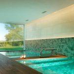 piscine-intérieure de luxe